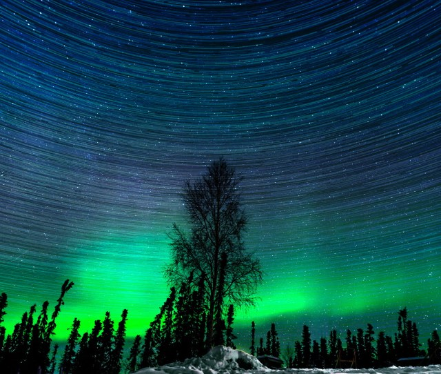 Hypnotic Northern Lights Time Lapse Captured Over 2 Magical Nights In Alaska