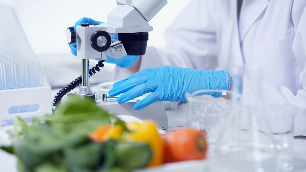Hazard Analysis and Critical Point (HACCP) / SS 444