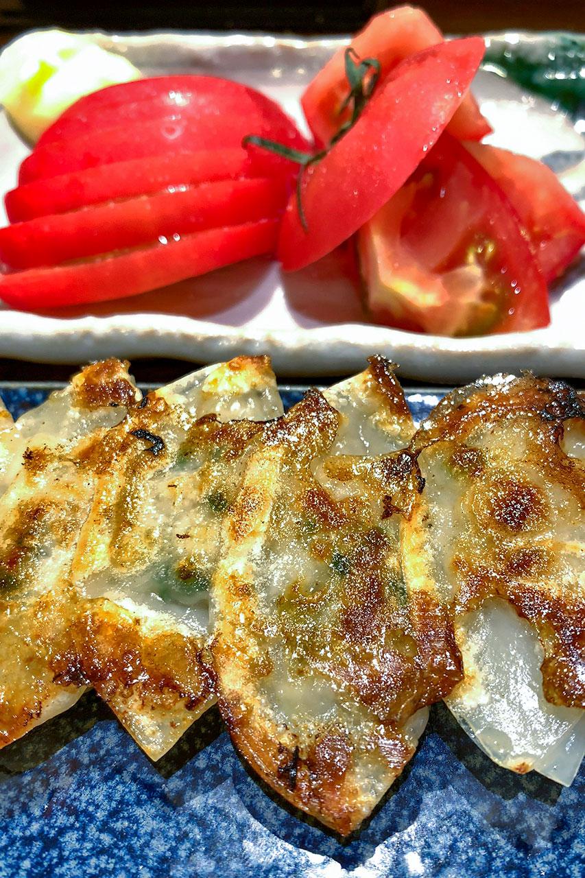 チハラ 焼き餃子とトマトスライス