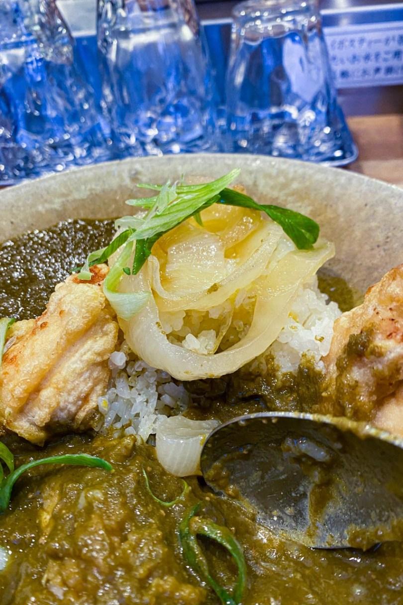 揚げ鶏と玉ねぎのカレー トッピング