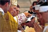 Ketzerei Lefebvre weiht Bischöfe