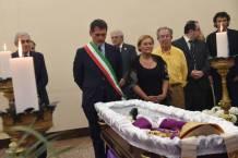 hommage de maire de Bologne Giacomo Biffi