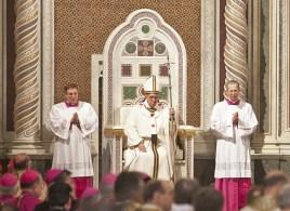 Papa en el trono