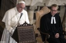 Papst besucht die Lutheraner 1