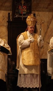 vescovo Athanasius Schneider