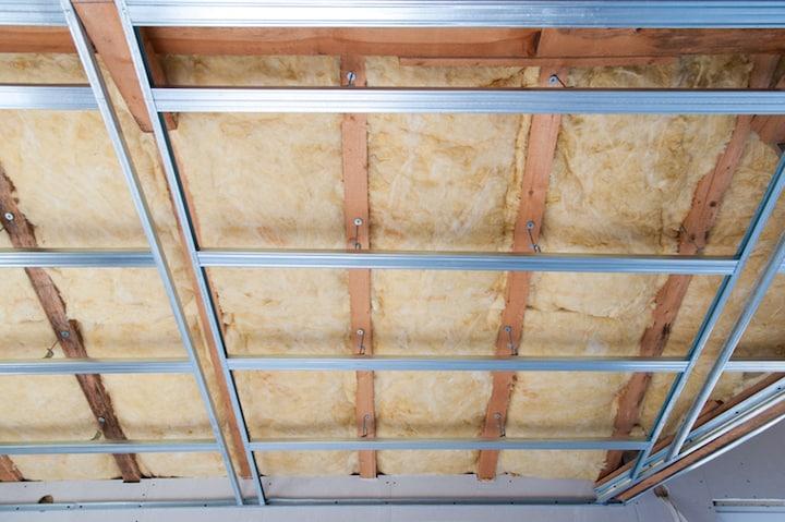 Geluidsisolatie voor het Plafond Mogelijkheden Soorten