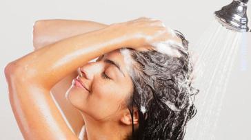 Как помыть голову без шампуня: 3 эффективных способа.