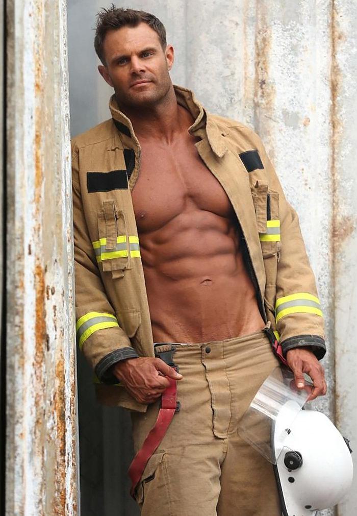 image11-21 | Календарь Австралийских пожарных на 2018 год