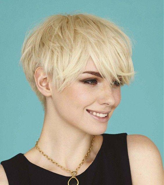 image13-11   16 стильных идей стрижки каскад на короткие волосы