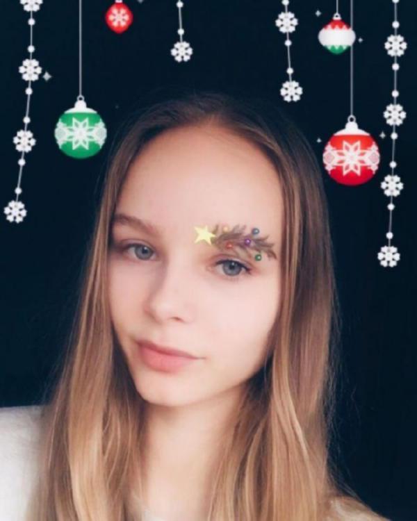 image7-80 | Новый новогодний тренд в современной моде — брови-ёлки!