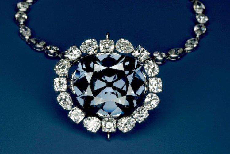 image3-85 | Самые роковые бриллианты в истории