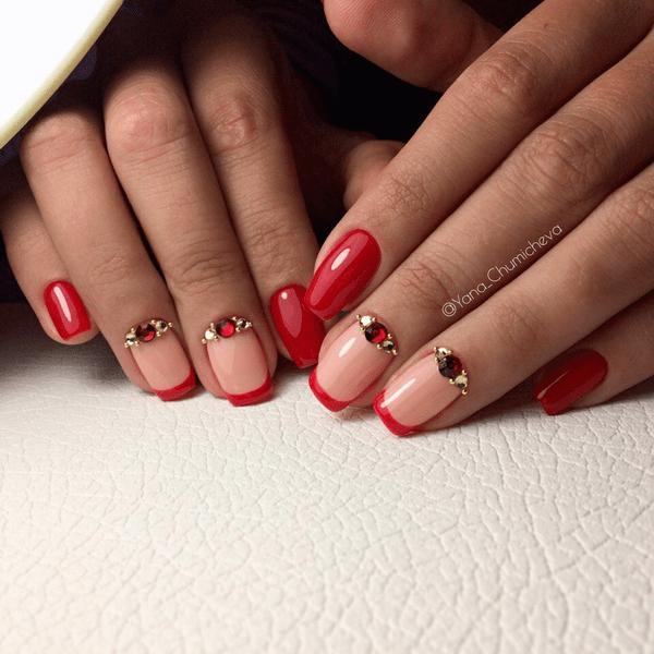 image14   Стильный и яркий: маникюр в красных оттенках