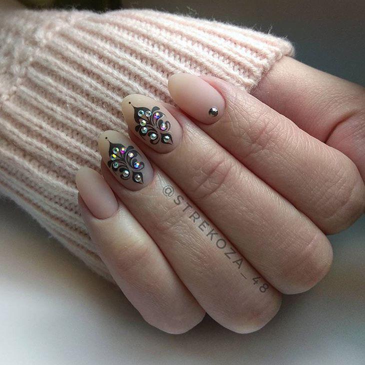image18-41   Интересные идеи маникюра с рисунками на ногтях