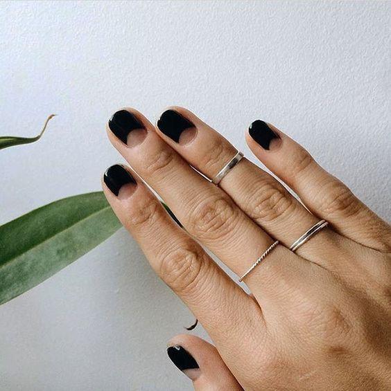 image2-24   Маникюр для отрастающих ногтей: варианты, которые подойдут всем!