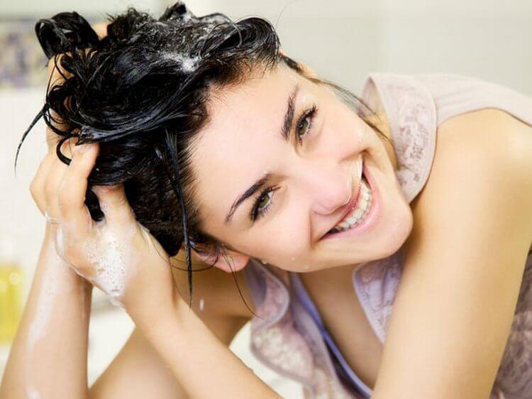image4-126 | 17 хитростей, которые помогут сделать ваши волосы гуще