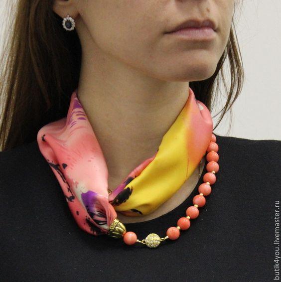 image13-13 | 24 оригинальные идеи, как превратить обычный шарф в колье