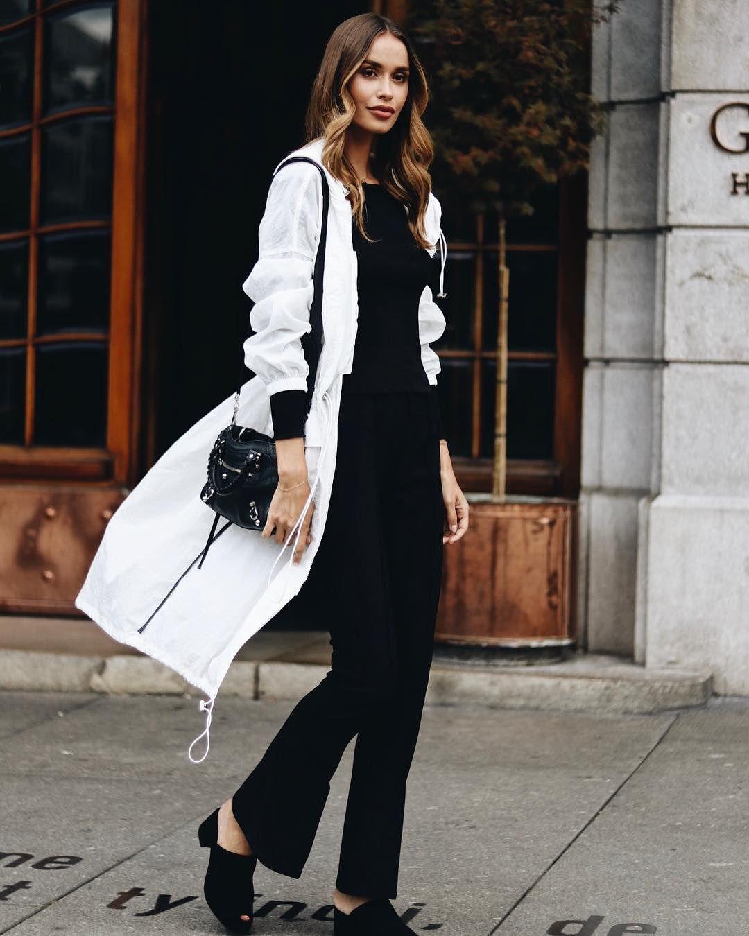 image16-58   8 стильных образов с черными брюками: модные тенденции весны 2018