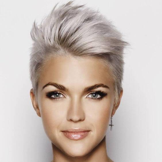 image17-59 | Красивые и стильные укладки на короткие волосы