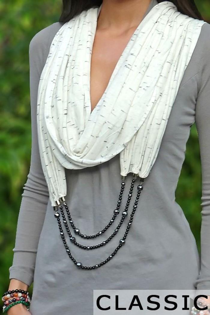 image20-11 | 24 оригинальные идеи, как превратить обычный шарф в колье