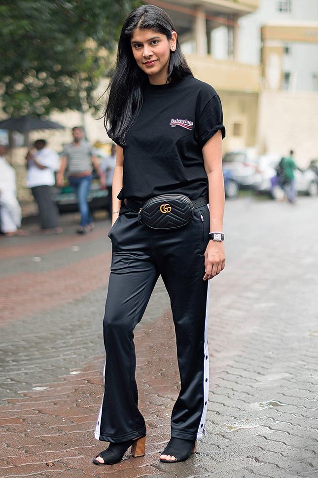 image27-16   8 стильных образов с черными брюками: модные тенденции весны 2018