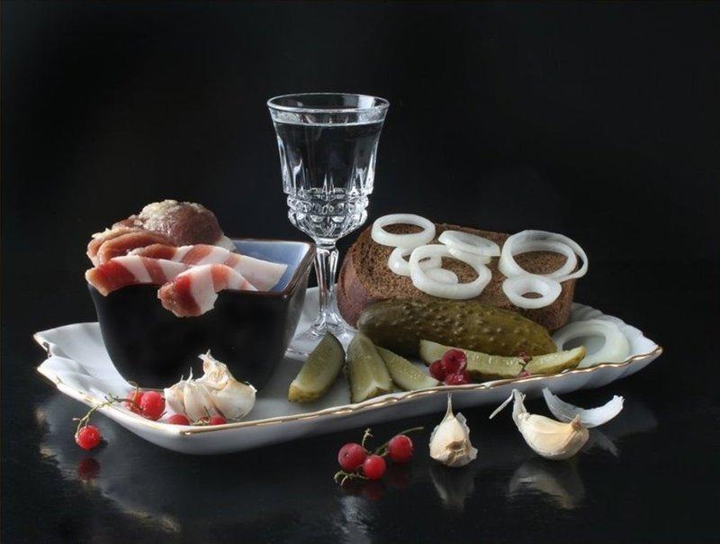 image5-46 | Евгений Гришковец о том, почему иностранцы не любят водку, и как ее надо правильно кушать