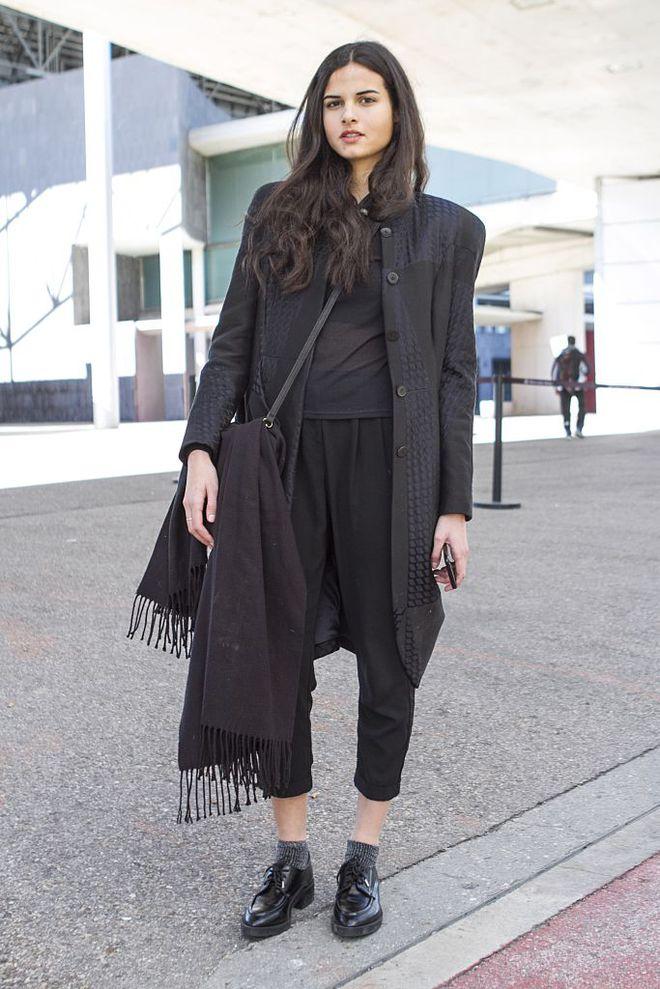 image9-76   8 стильных образов с черными брюками: модные тенденции весны 2018