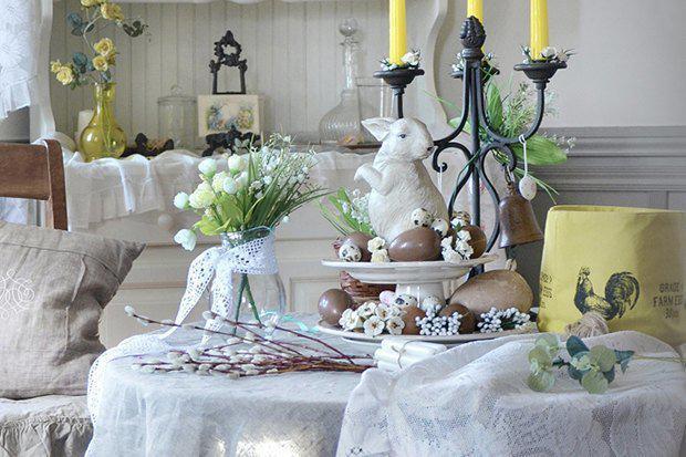 1-easter-table-setting-ideas-table-decoration-spring-motifs-eco-style-porcelain-bunny-yellow-candles-candlestick-willow-branches   4 идеи оформления Пасхального стола в различных стилях