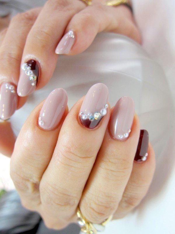 embellished-nails-2 | Тренды маникюра: маникюр с украшениями