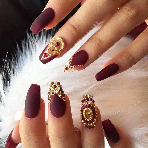 embellished-nails-6 | Тренды маникюра: маникюр с украшениями