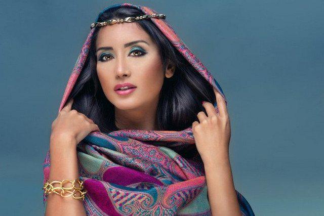 image44-1   Как красиво и оригинально повязать шарф или палантин на голову