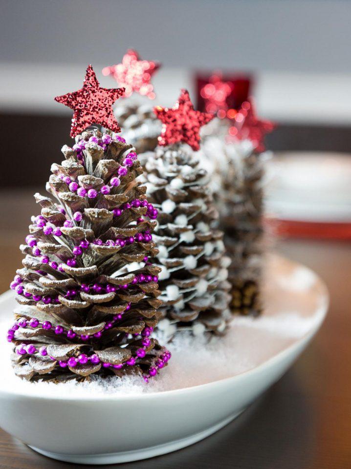 image8-7   Новогодние украшения из шишек своими руками