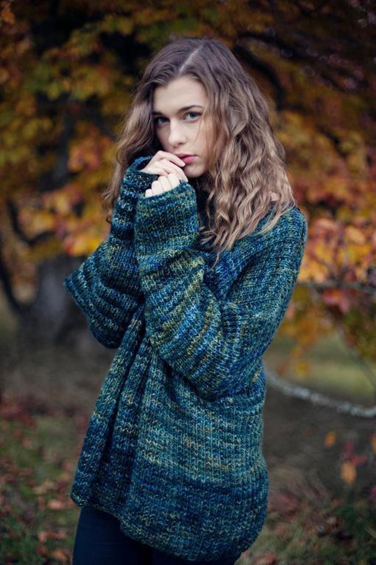 image11-6 | 15 модных зимних свитеров сезона 2018–2019