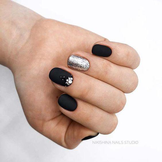 image23-6 | Чёрный маникюр — простота и элегантность