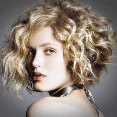 image10-2 | Современные стрижки и прически на вьющиеся волосы