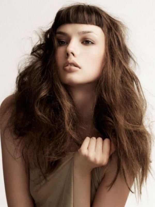 image18-14   Прически на длинные волосы с короткой челкой