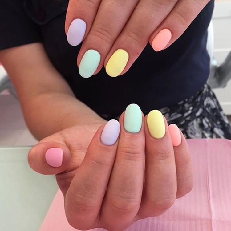 image19-21   34 идеи разноцветного маникюра — радуга на кончиках ваших пальцев