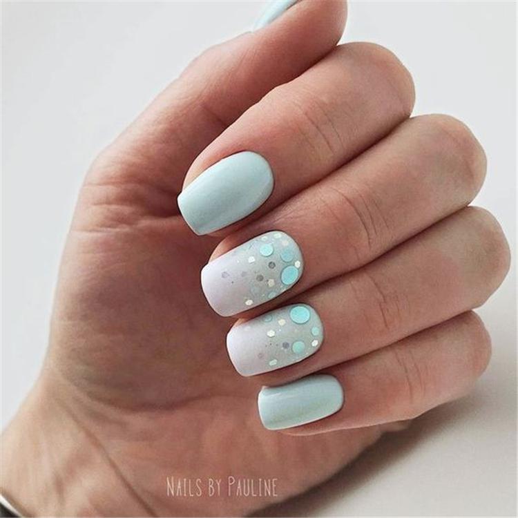 image2-7 | Нежно-голубой маникюр на короткие квадратные ногти