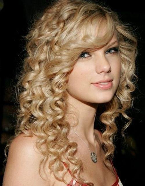 image20-2 | Современные стрижки и прически на вьющиеся волосы