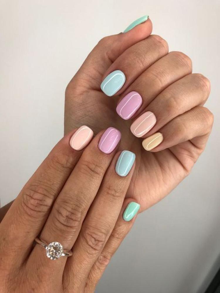 image22-20   34 идеи разноцветного маникюра — радуга на кончиках ваших пальцев