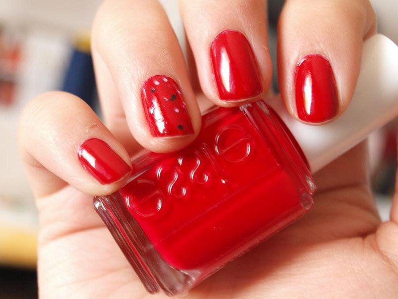 image23-26   Лучшие идеи красного маникюра на ногти любой длины