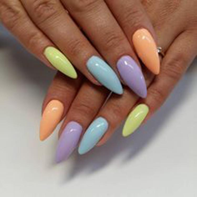 image31-18   34 идеи разноцветного маникюра — радуга на кончиках ваших пальцев