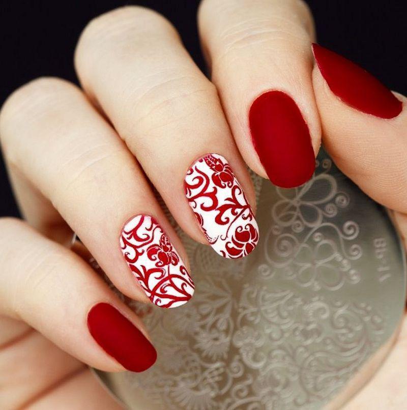 image4-34   Лучшие идеи красного маникюра на ногти любой длины