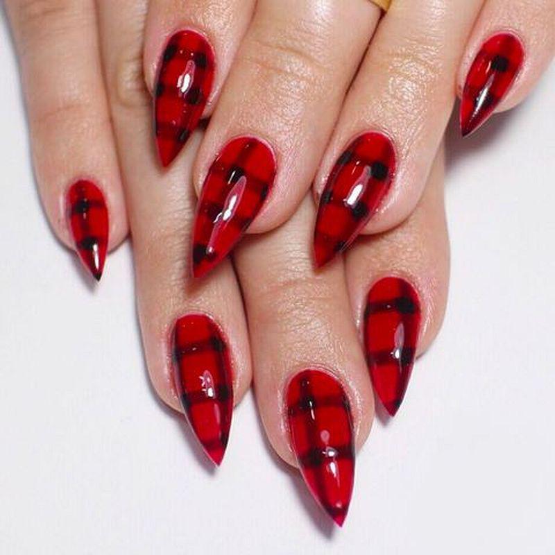 image6-32   Лучшие идеи красного маникюра на ногти любой длины