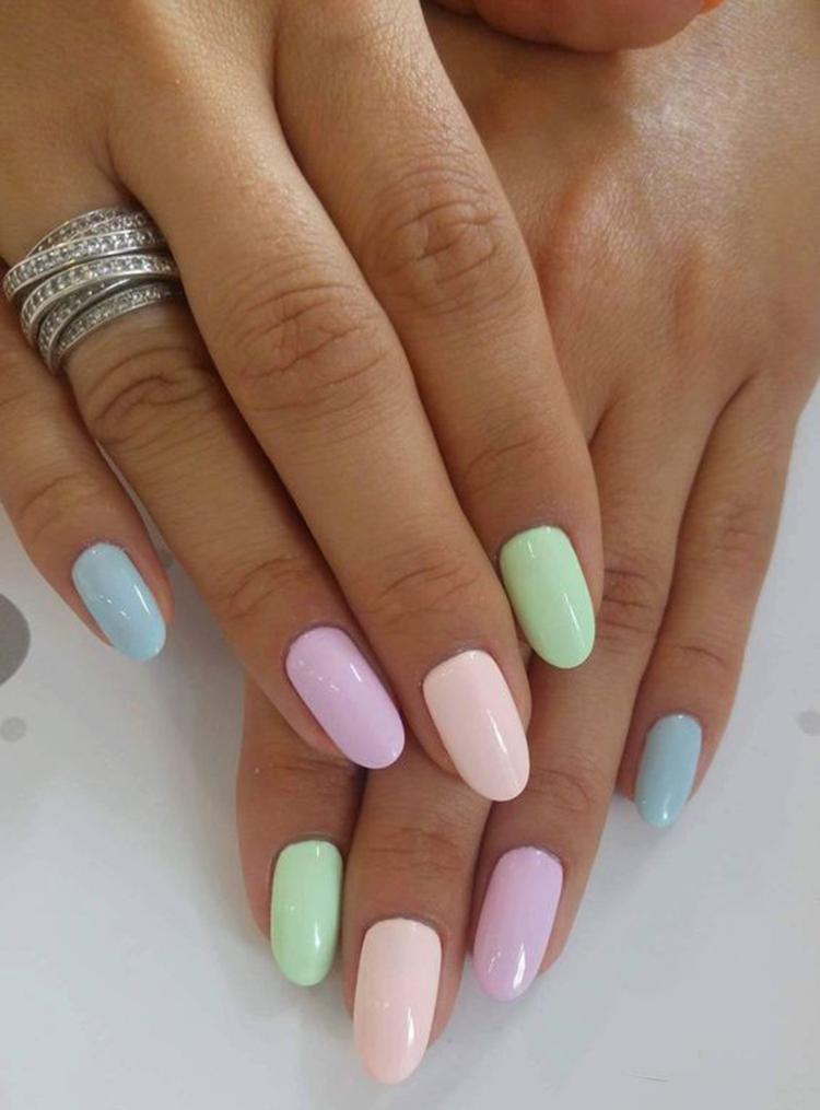 image9-24   34 идеи разноцветного маникюра — радуга на кончиках ваших пальцев