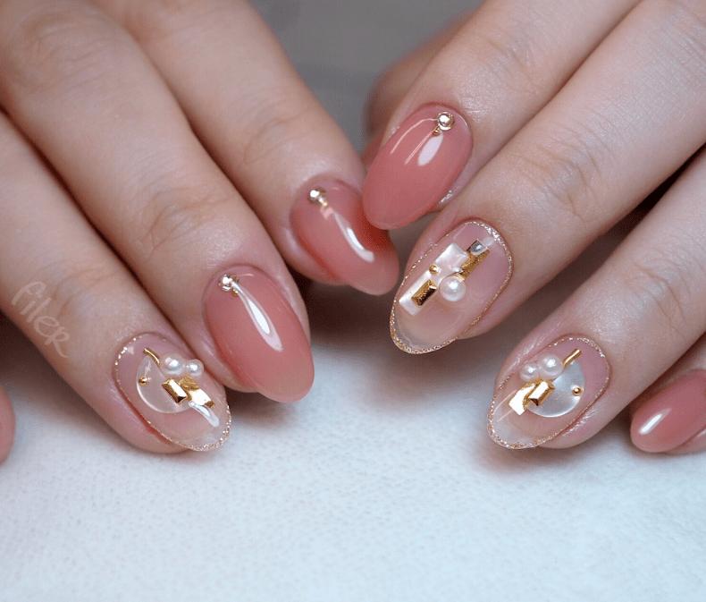 image16-6 | 16 идей розового маникюра с жемчугом на овальные ногти