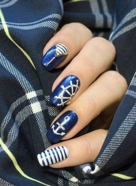 image26-6 | 37 идей синего маникюра на ногти разной формы и длины — найди лучшее решение