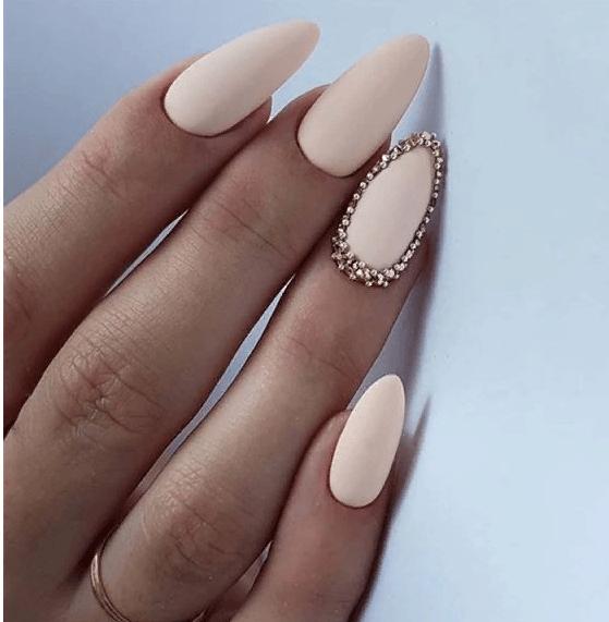 image27-4 | 38 идей матового маникюра на миндалевидные ногти