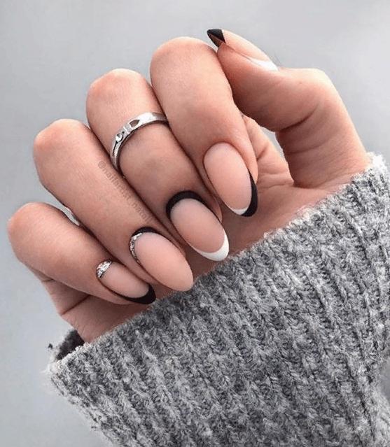 image33-4 | 38 идей матового маникюра на миндалевидные ногти