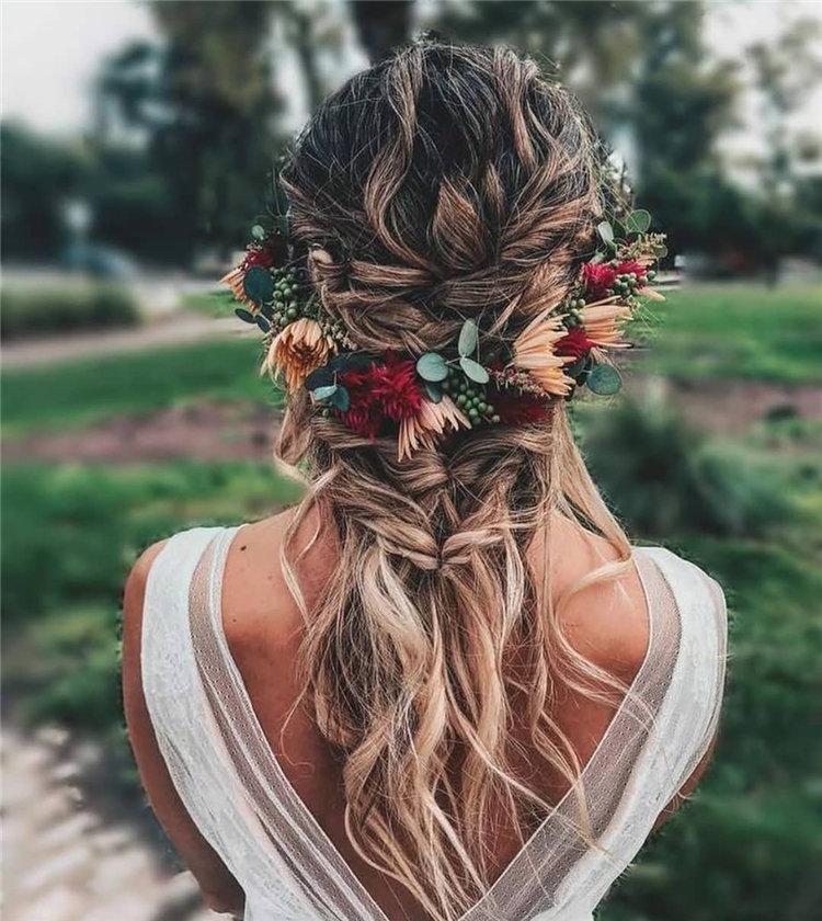 image36-2   70+ свадебных причесок 2019