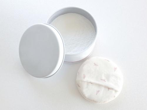 パウザーを使うと白い粉のボソボソ感が残る